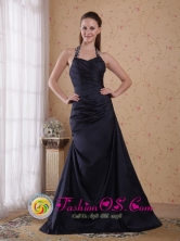 Black Halter Ruched Bodice Princess Floor-length Taffeta Beading Decorate Prom Dress for 2013 IN Cotoca Bolivia Wholesale Style PDHXQ061FOR