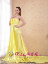 Yellow Column Sweetheart Dama Dress Watteau Train Elastic Woven Satin Beading In Siquatepeque Honduras Wholesale Style PDHXQ052FOR