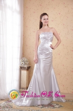 Wodonga VIC Wholesale White Column Strapless Dama Dresse Court Train Satin with Appliques and Ruch for Fall Style PDHXQ033FOR