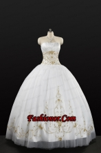 White Strapless 2015 Quinceanera Dress with Beading and Appliques FNAO5789FOR