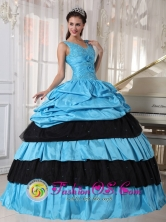 2013 Choloma Honduras Black and Aqua Spring Quinceanera Dress with straps V-neck Beaded hand flower and ruffle Style PDZY493FOR