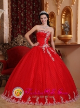 2013 La Lima Honduras  Inspired Red Strapless Tulle Lace Appliques Quinceanera Dress For Graduation Style QDZY7527FOR