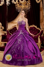 Purple  Sweetheart Floor-length  Appliques 2013 Montelibano Colombia Ball Gown Quinceanera Dress In Wrangell Style  QDZY183FOR